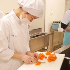 米沢栄養大学の実習生が来ました!